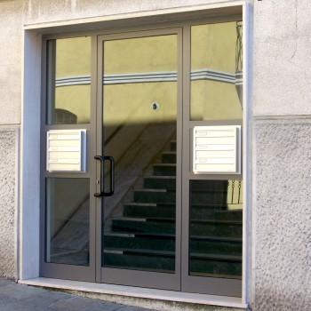 Portoncino ingresso a Milano